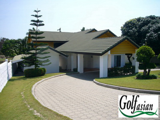 Hua Hin – Large 3 Bed Pool Villa on Golf Course