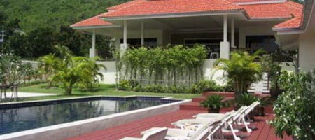 North Hua Hin – Large 5 Bed Pool Villa on Golf Course