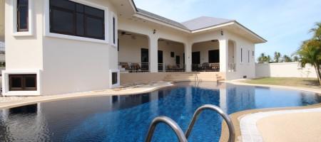 Black Mountain Resort – Luxury Villa Rentals