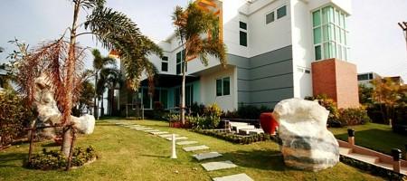 Private Beach Front Pool Villa – Beach Villa For Rent