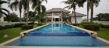 Palm Hills Luxury Villa – Property For Rent