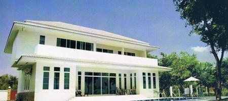 Beach House – Cha Am For Sale