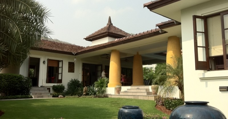 Beautiful Luxury Pool Villa at Bargain Price in Hua Hin