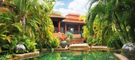 Absolute Height of Luxury Villa on Golf Course