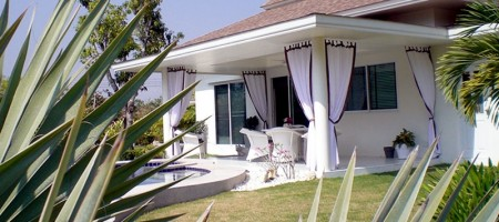Pool Villa on Large Plot near Golf Course