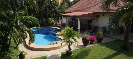 Luxury Resale Swimming Pool Villa