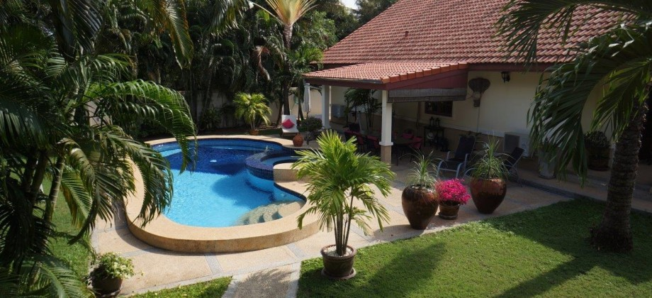 Luxury Resale Swimming Pool Villa