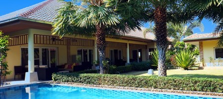 Swimming Pool Villa On Award Winning Development in Hua Hin