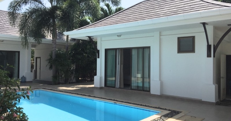 Good Condition Modern Pool Property For Sale In Hua Hin