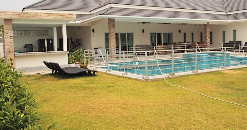 High Spec Pool Property On Large Plot For Sale In Hua Hin