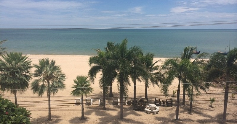 Desirable, Fully Furnished Beachfront Condo For Sale Hua Hin, Thailand