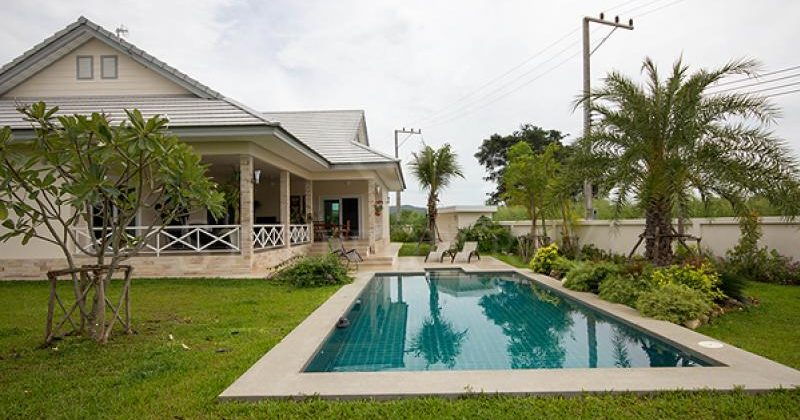 Beautiful Pool Villa (10642)