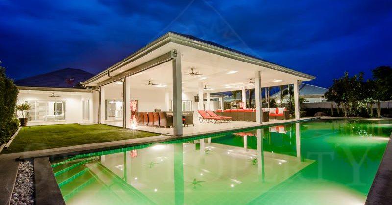 6 Bedrooms Modern Pool Villa in Hua Hin (11091)
