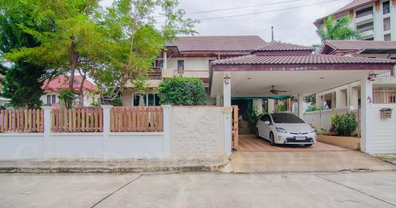Luxury House for Sale (11153)