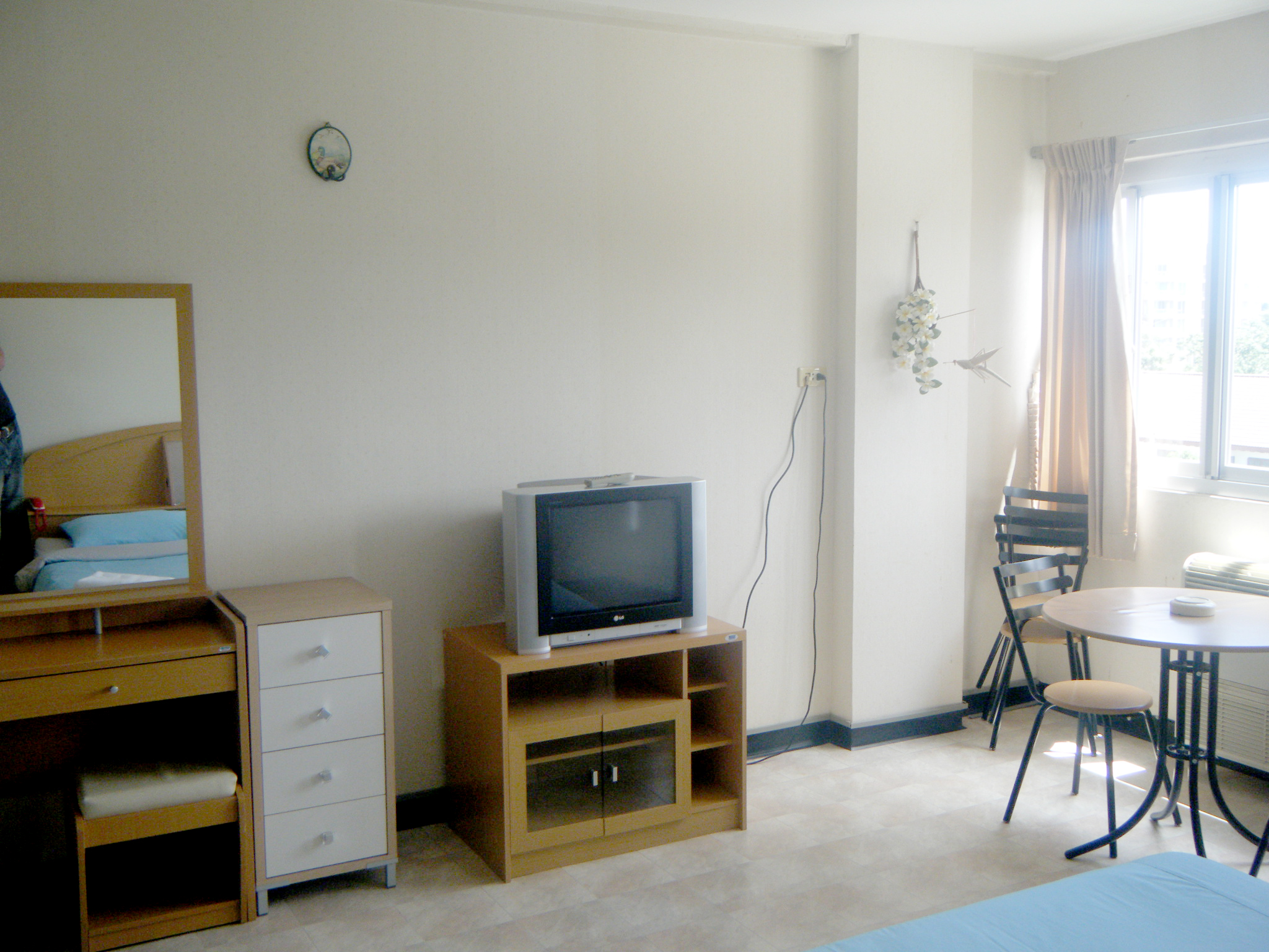 Fully furnished studio apartment 20257 for Furnished studio apartments