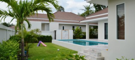 Beautifully Modern Home for Sale HuaHin Soi 88 (11268)