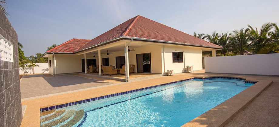 Beautiful Pool Villa for Sale at Sunset 2 Hua Hin Soi 6 (11199)