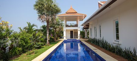 BEAUTIFUL BANYAN RESORT FOR SALE (10895)