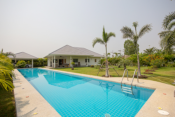 Beautiful Pool Villa for Sale (10894)