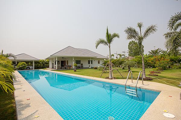 Beautiful Pool Villa for Sale (10894)