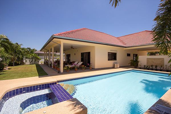 Luxury Pool Villa for Sale (10740)