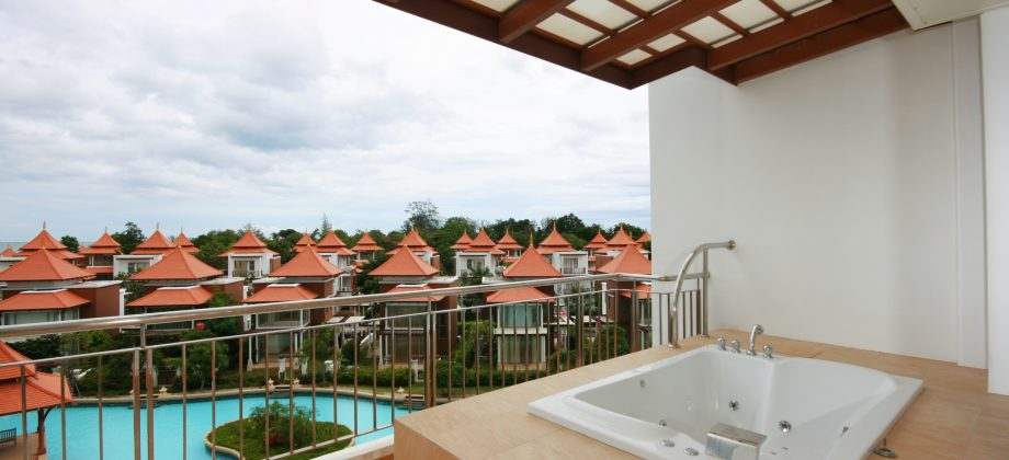 Beautiful Condominium with Sea View for Sale (20239)