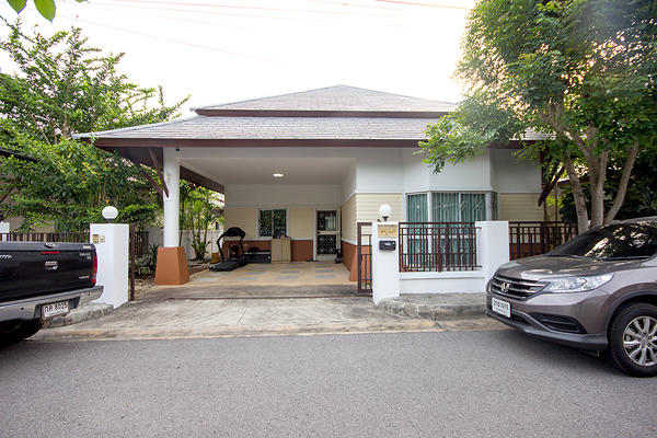 Beautiful Bungalow at La Vallee for Sale (10755)