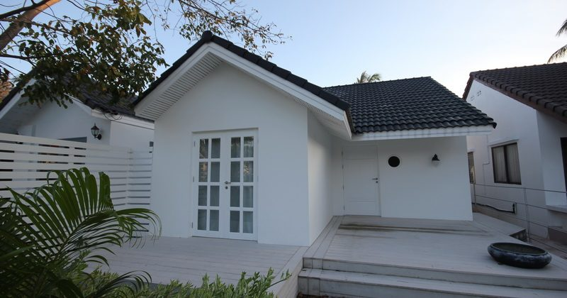 Cozy Beautiful Bungalow For Sale (10859)