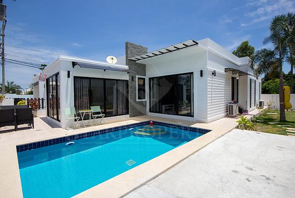 Modern Pool Villa Soi 6 for Sale (10639)