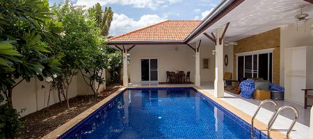 4 Bedroom Bungalow with a Pool for Sale (11096)