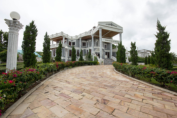 Beautiful Roman Style Villa For Sale (10653)