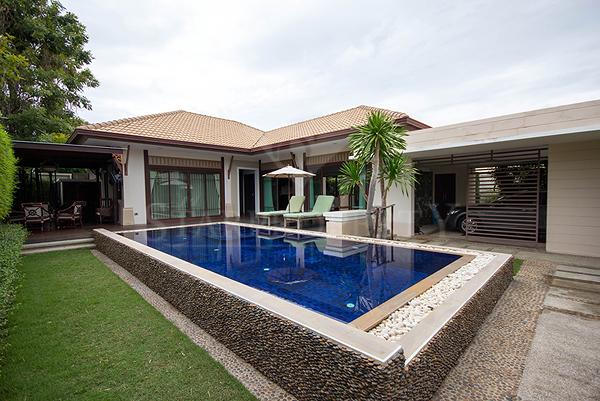 Magnificent Pool Villa For Sale (10839)