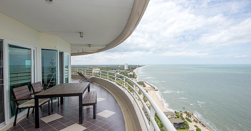 STUNNING CHA-AM SEA VIEW CONDO DIRECTLY ON THE BEACH (20650)