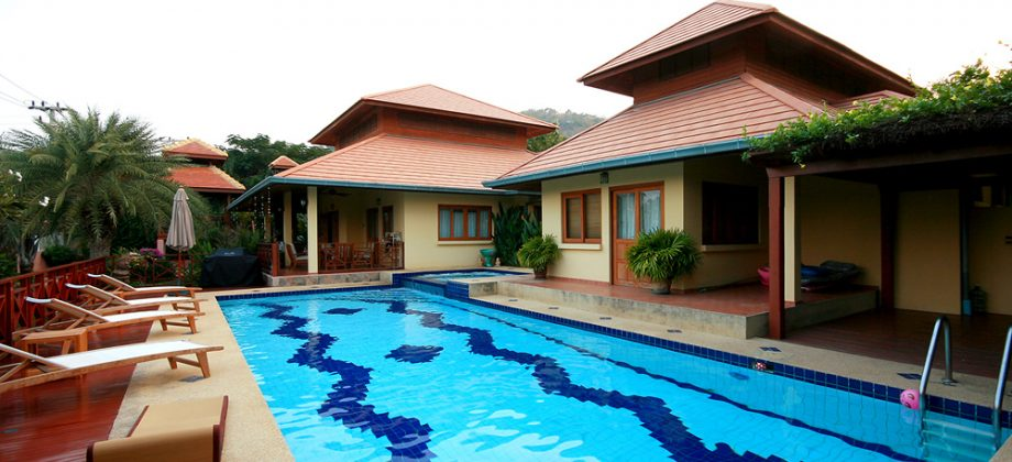 Luxurious Bungalow with Private Pool (11295)