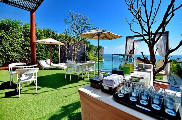 Hua Hin Beach Front Villa For Sale [10826]