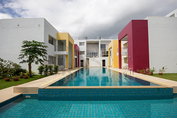 Beautifully Modern Commercial Building for Sale (10676)