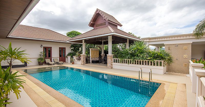 Beautiful Villa with Lovely Pool (11113)