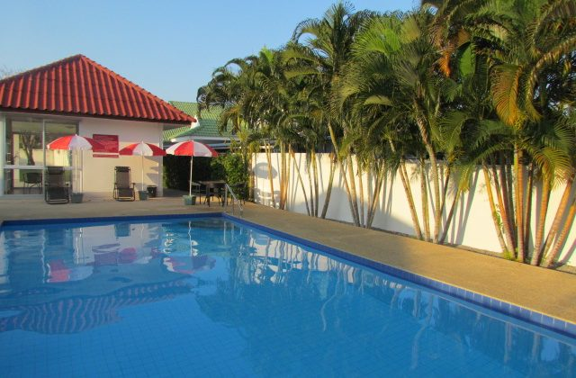 Bungalow Near Town For Sale (11068)