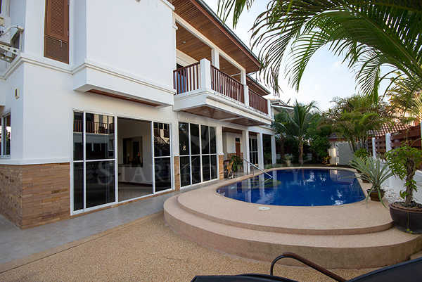 Beautiful Two Storey House For Sale (10690)