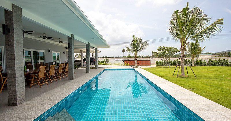 Luxury House on the Large Plot of Land (11128)