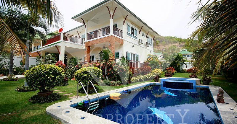 Beautiful Two Storey House for Sale (10468)