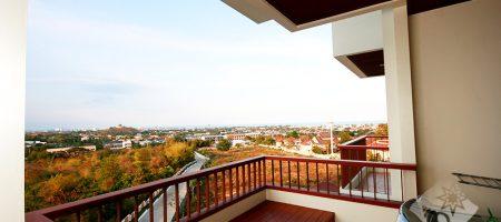 Beautiful Condominium with Sea View (40204)