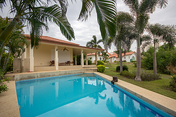 Beautiful Pool Villa Near Black Mountain Golf (10928)