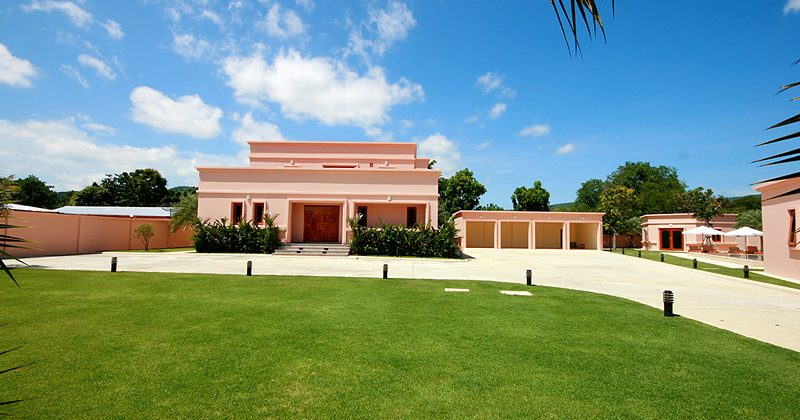 Luxury Pool Villa on the large plot for Sale (10371)