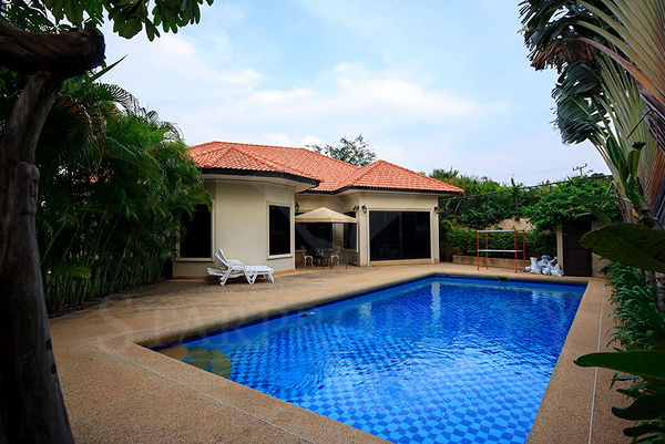 Bungalow for Sale with Private Pool (10444)