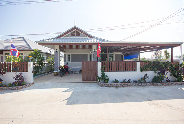 Bungalow in Hua Hin for Rent (30553)