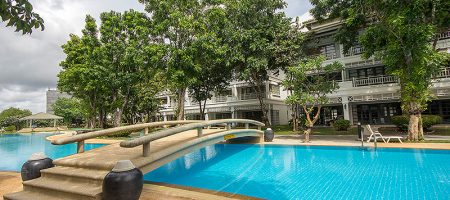 Beautiful Town House in Hua Hin for Sale (11140)