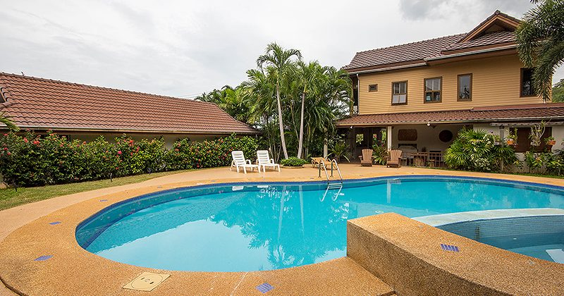Beautiful Pool Villa For Sale (11138)