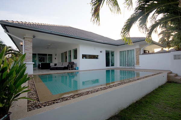 Beautiful Villa for Sale (10303)