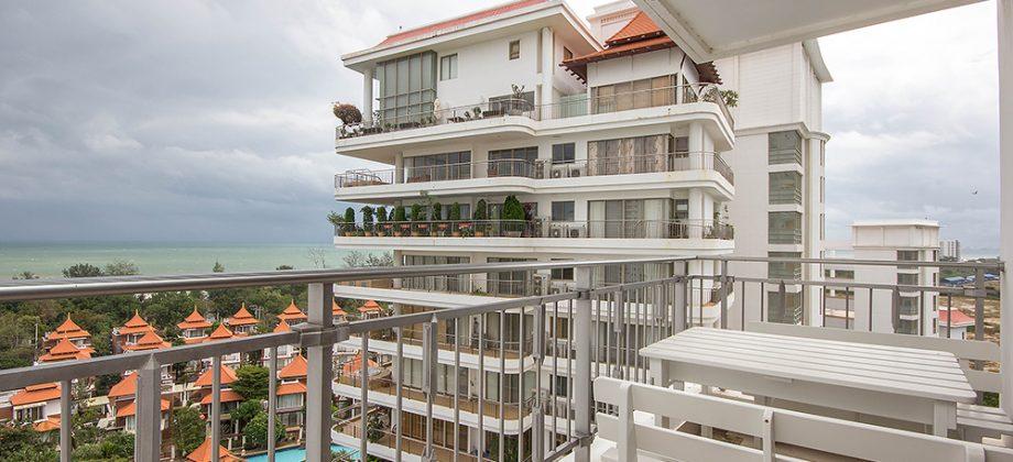 Beautiful Condominium with Sea View for Sale (20700)